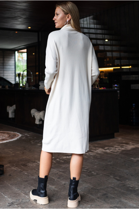 Finomkötött garbónyakú ruha