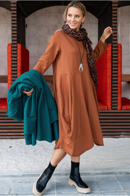 Garbós hagymafazonú ruha