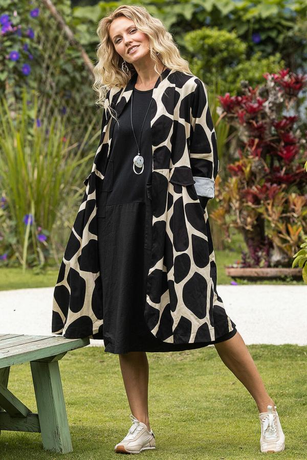 Zsiráfmintás kabát