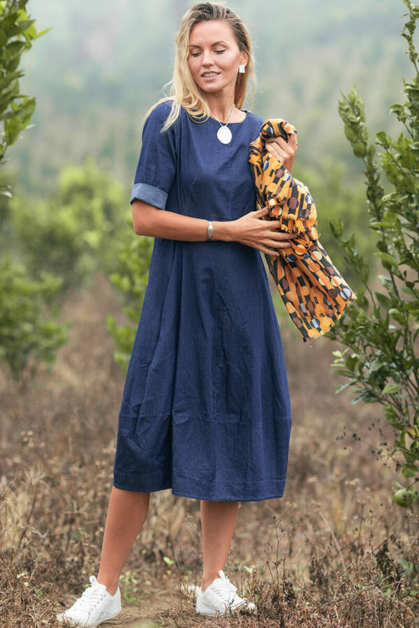 Karcsúsított farmer ruha