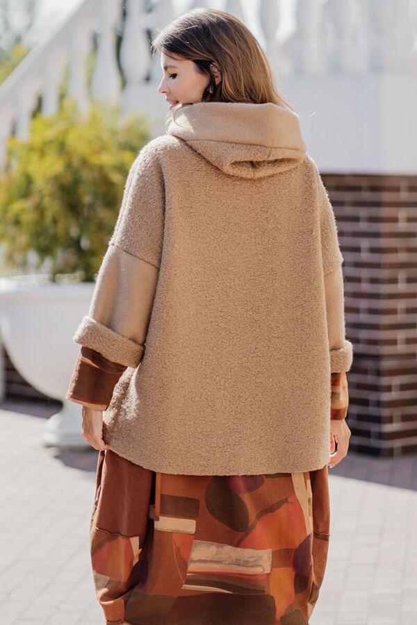 Kapucnis perelin kabátka