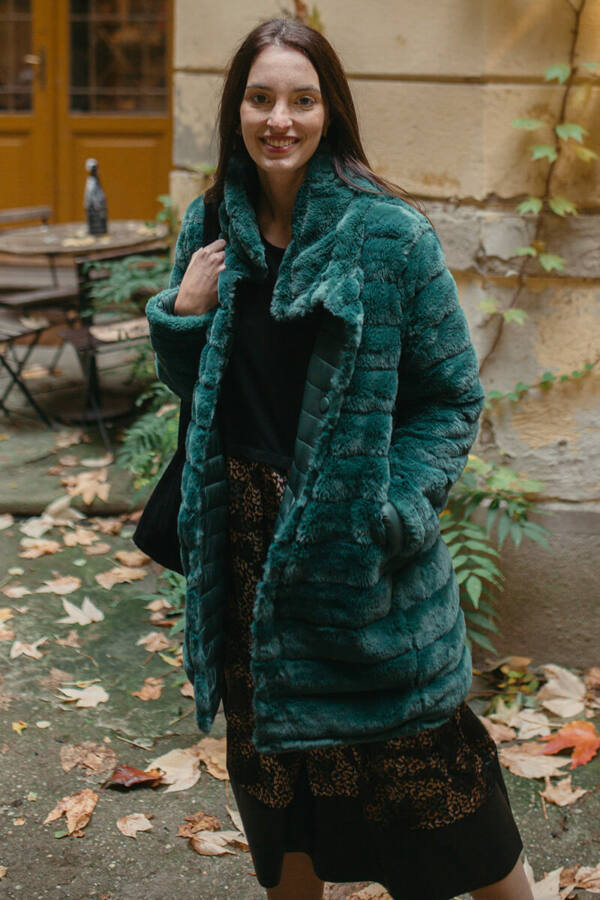Kifordítható gombos kabát