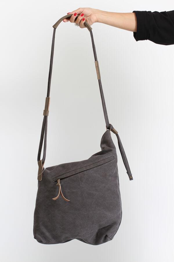 Áthajtós táska