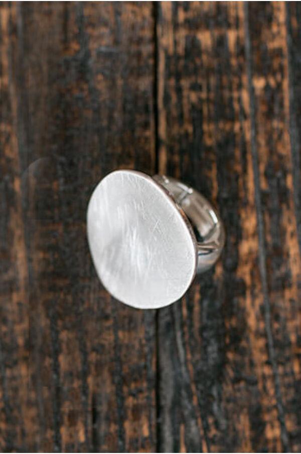 Karcolt gyűrű